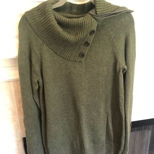 Green gap thick sweater